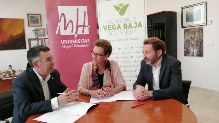 The Vega Baja Sostenible Consortium signs a collaboration agreement with the Miguel Hernández University
