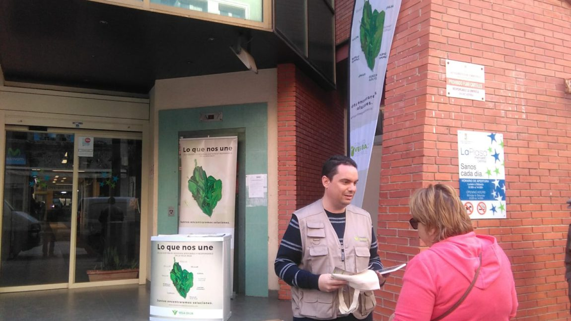 The Consortium carries out actions on the street to publicize its activity and raise awareness about recycling and waste