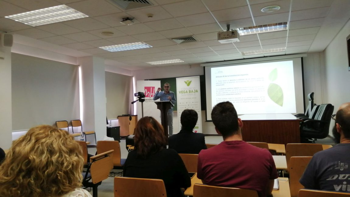 The Vega Baja Sostenible Consortium participates in the welcome day of the UMH Master in Waste Management